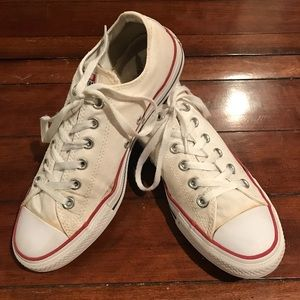 Classic white Converse. Men 8. Women 10